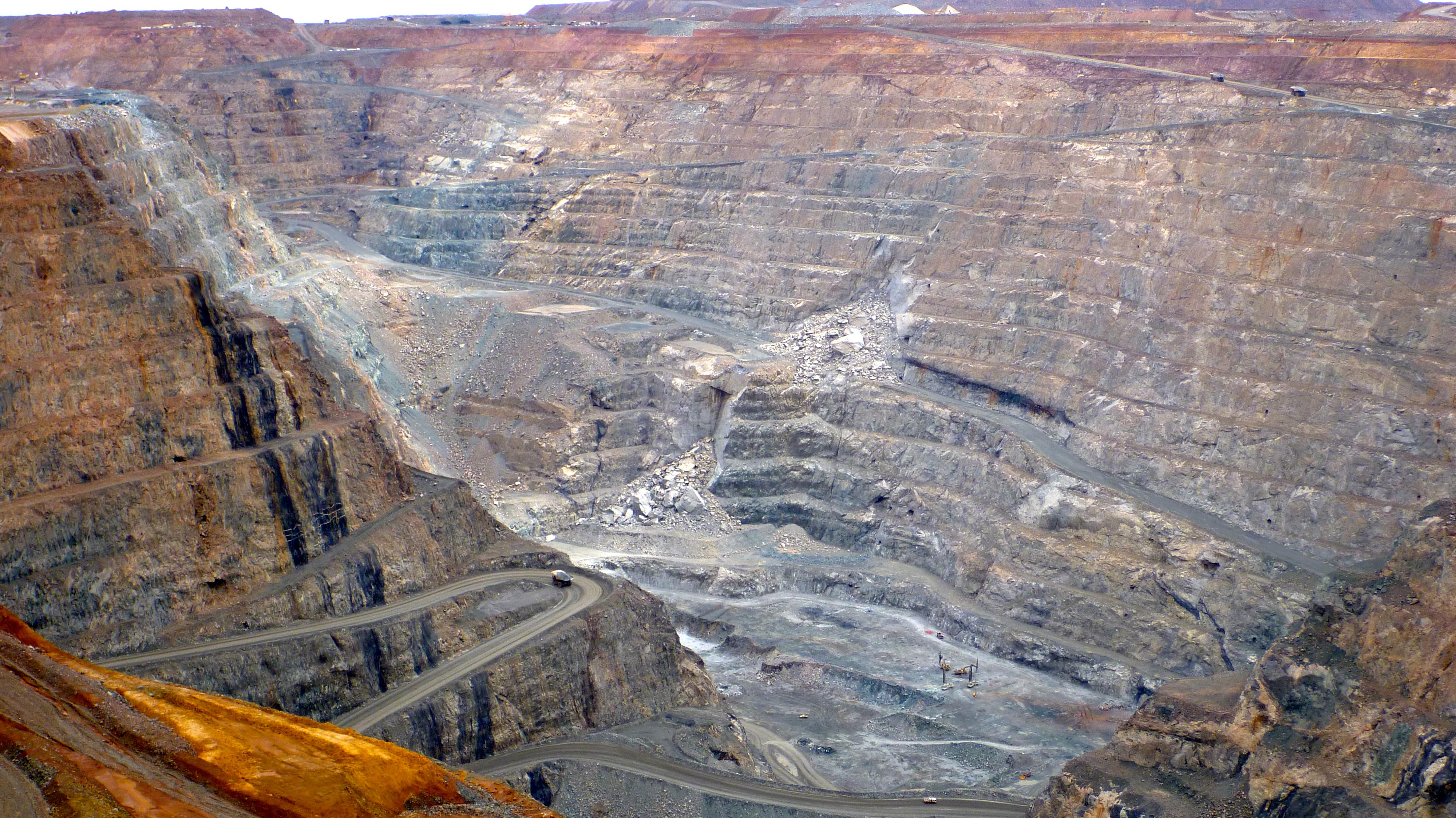 P Australia Super Pit